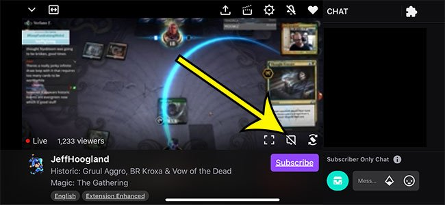 how to hide chat in the Twitch iPhone app